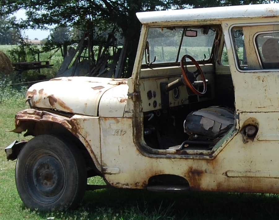Old rusty, decaying truck.